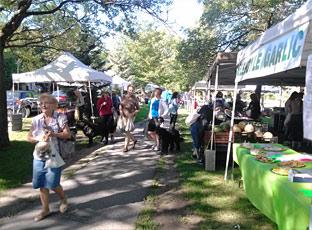 Ottawa Farmers Market in Byron Park