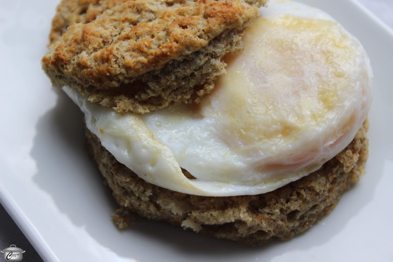 cornflour buttermilk biscuits with fried egg
