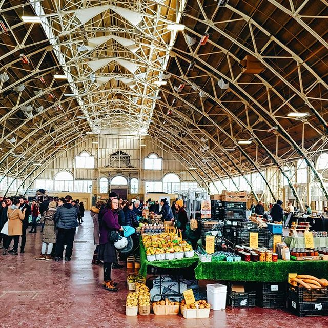 Hey #Ottawa!  Find our Winter Market on Sundays from 10am to 3pm, inside the Abe